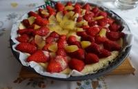 Tarte aux fraises, kiwis et rhubarbe