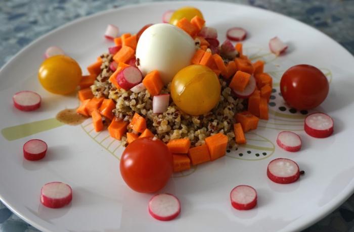 Salade de quinoa et petits légumes