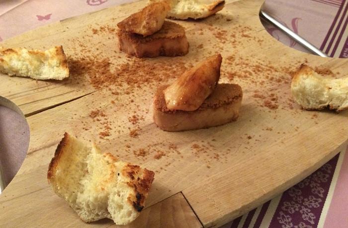 Foie gras et poire grillée sur lit de speculoos