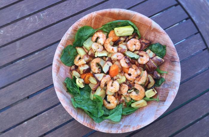 Salade épinards crevettes et petits légumes
