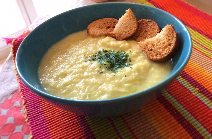 Soupe aux poireaux, oignons & oranges